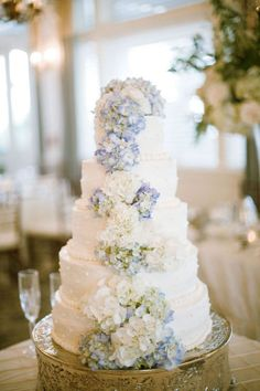 blue and white hydrangea wedding cake