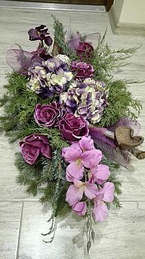 Casket Flowers, Grave Flowers, Cemetery Flowers, Funeral Flowers, Easter Flower Arrangements, Funeral Flower Arrangements, Beautiful Flower Arrangements, Beautiful Flowers, Sunflower Wedding Centerpieces