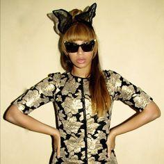 Beyonce Instagrams Wearing Marni Floral Jacquard Tee and Alexander Wang Cat Eye Sunglasses