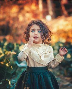 Cute Baby Girl Photos, Cute Little Baby Girl, Cute Kids Pics, Cute Girl Pic, Cute Baby Pictures, Cute Girls, Sweet Girls, Cute Babies Photography, Girl Photography Poses