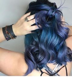 "4,019 Likes, 19 Comments - Hair Makeup Nails Beauty (@hotonbeauty) on Instagram: ""🌌 After Midnight 🌌 by @kateloveshair 👏👏👏 #hotonbeauty . . . . #bluehair #midnightbluehair…"""