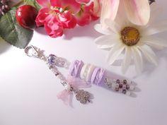 Bijou de sacs trio de macarons et trèfle strass porte bonheur : Autres bijoux par lili-gourmandise