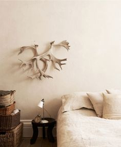 love the bed covering and the antlers look so abstract! My Living Room, Living Spaces, Home Bedroom, Bedroom Decor, Bedroom Ideas, Bedroom Artwork, Fall Bedroom, Bedroom Minimalist, Decoration
