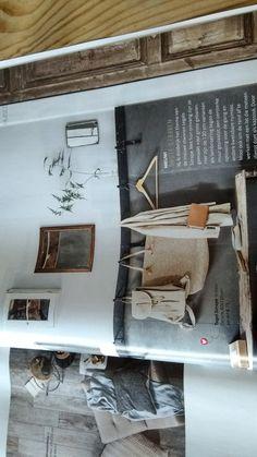 Kapstok op houten balk boven lambrisering van tegels (of zeil) VT Wonen