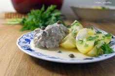 Königsberger Klopse sind eine ostpreußische Spezialität aus gekochten Fleischklößchen in weißer Sauce mit Kapern. Deftig, lecker ~ herzhafte Hausmannskost.