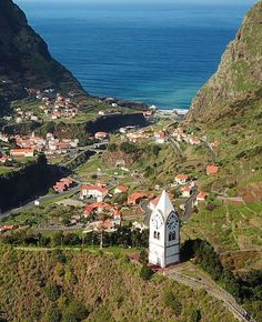 8 Things to Know About Madeira Island in Portugal. I visited Madeira island for the first time last year and it was not at all what I expected. Places To Travel, Places To Go, Portugal Travel Guide, Where Do I Go, Paragliding, Destin Beach, Beautiful Places In The World, Atlantic Ocean, Island Life