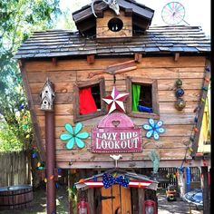Kids Tree house fort made from recycled wood and a discarded playground equipment Natural Playground, Outdoor Playground, Cubby Houses, Play Houses, Tree Deck, House Tent, Outdoor Fun, Outdoor Decor, Cool Tree Houses