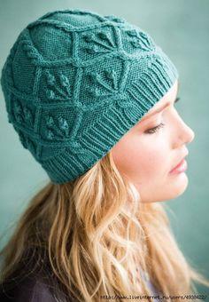 """Вяжем модную шапку спицами на осень: из журнала """"Vogue Knitting"""". Эта стильная вязаная шапочка 100% украсит наш гардероб предстоящей осенью."""