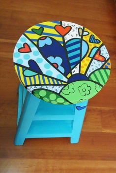 Idea Whimsical Painted Furniture, Hand Painted Chairs, Hand Painted Furniture, Funky Furniture, Art Furniture, Colorful Furniture, Crafts To Do, Arts And Crafts, Funky Chairs