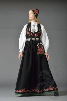 NYE VALDRESBUNAD Nye, Traditional Outfits, Victorian, Costumes, Dress Ideas, Norway, Scandinavian, Beauty, Business