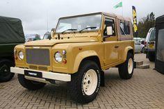 Defender with retro look. Defender 90, Land Rover Defender, Land Rover Off Road, Adventure Car, Off Roaders, Best 4x4, International Scout, American Motors, Old Trucks