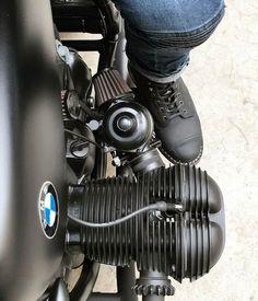 Cool (or not) : Foto Bmw Cafe Racer, Cafe Racers, Moto Cafe, Bmw Scrambler, Bmw Boxer, Bmw Motorbikes, Cool Motorcycles, Vintage Motorcycles, R65