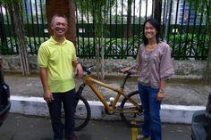 Filipinami na kole z bambusu