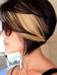 Hairstyles for Short Hair with Blonde Highlights