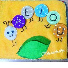"18 Me gusta, 1 comentarios - Ada Olivares (@adacadabra_design) en Instagram: ""💚💚💚 #quietbook #librosensorial #feltbook #quietbooks #feltcraft #feltro #felt #fieltro #pañolenci…"""