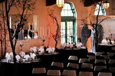 Phantom meets Halloween in this DIY masquerade wedding in Florida | Offbeat Bride