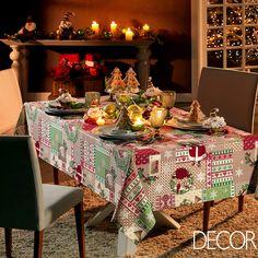 Com a proximidade do Natal, iniciam os preparativos para a ceia.  As clássicas cores vermelho, verde e dourado, aliadas a artigos elegantes e objetos que remetem aos símbolos natalinos, são características da decoração da mesa.