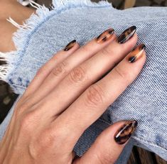 12 popular winter nail art trends you can try as soon as possible . - 12 popular winter nail art trends you can try as soon as possible … – bilden - Minimalist Nails, Minimalist Fashion, Winter Nail Art, Winter Nails, Summer Nails, Autumn Nails, Cute Acrylic Nails, Cute Nails, Acrylic Colors