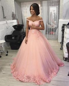 Sweet 16 dresses - Boho Prom Dresses, Pink Off Shoulder Sweetheart Tulle Ball Gown Prom Dresses With Applique – Sweet 16 dresses Vestidos Plus Size, Plus Size Prom Dresses, A Line Prom Dresses, Formal Evening Dresses, Elegant Dresses, Dress Prom, Evening Gowns, Party Dress, Tulle Ball Gown