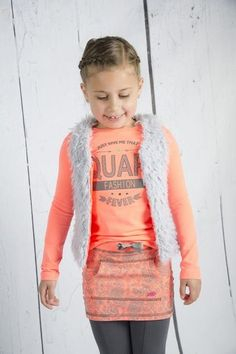 Quapi, gilet Christa lichtgrijs, 86/92-158/164, €34,95 kinderkleding online, http://www.blauwlifestyle.nl/nl/kinderkleding.html?merken=153
