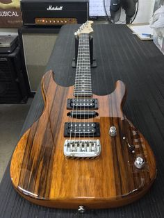 https://www.facebook.com/GnLguitars/photos/a.179495642742.153348.160781862742/10155293021672743/?type=3