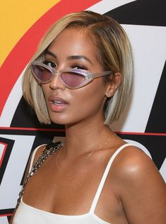 Celebrity Bobs That Will Actually Make You Want to Chop Your Hair Don't fear the bob—it just wants to make you look hot. These celebrity bobs will make you want to cut your hair immediately for the spring weather. Blunt Bob Hairstyles, Hairstyles Haircuts, Straight Hairstyles, Black Hairstyles, Hairstyles Pictures, Medium Hairstyles, African Hairstyles, Trendy Hairstyles, Bob Haircuts For Women