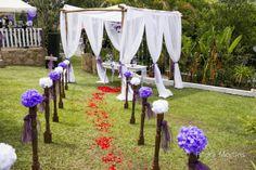 Caminho para altar #pompom #petalasdeseda #altar #origami #paperflower #diy #wedding #casamento #retro #vintage