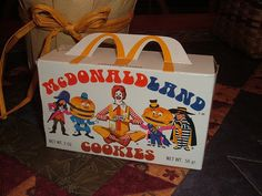 1975 McDonaldLand Cookies Box - Like animal crackers, but shaped like Ronald and friends! My Childhood Memories, Sweet Memories, Childhood Toys, Mtv, My Generation, 80s Kids, I Remember When, Ol Days, Vintage Toys