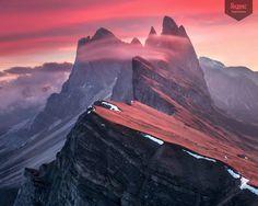 Красный хребет, Max Rive  Предрассветный вид на Доломитовые альпы в северо-восточной Италии.