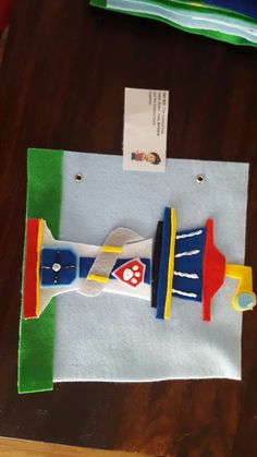 Paw patrol quiet book: OH NO: the lookout has fallen down. Help Ryder put the lookout back together