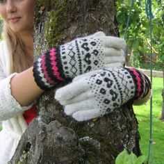 Hand knitted gloves. Patterned gloves, mittens. Grey, black, pink. Soft Alpaca wool. Christmas gift. Estonian handcraft.  These gloves are knitted