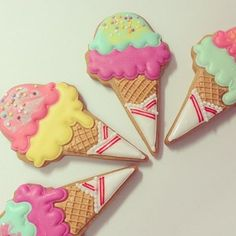 Find images and videos about cute, yummy and sweets on We Heart It - the app to get lost in what you love. Kawaii Cookies, Cute Cookies, Cupcake Cookies, Cupcakes, Ice Cream Cookies, Iced Cookies, Cookies Et Biscuits, Summer Cookies, Galletas Cookies