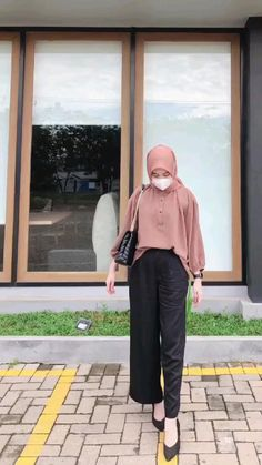 Casual Hijab Outfit, Ootd Hijab, Islamic Fashion, Muslim Fashion, Hijab Style Tutorial, Hijab Fashion Inspiration, Foto Instagram, Korean Outfits, Clothes