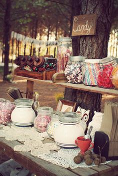 Rustic candy bar {via Project Wedding} Rustic Candy Buffet, Deco Buffet, Dessert Buffet, Candy Table, Lolly Buffet, Vintage Buffet, Dessert Tables, Looks Country, Country Style