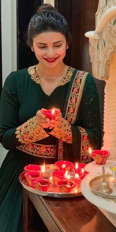 Prachi Desai, Girl Pictures, Girls, Beautiful, Daughters, Girl Pics