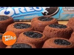 Turn your life upside down with this delectable Oreo dessert recipe. Oreo Dessert Recipes, Desserts, Muffins, Mary Berry, Vegetarian Chocolate, Melted Butter, Berries, Treats, Cookies