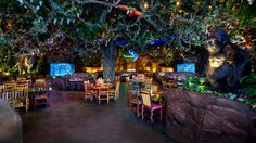 RESTAURANT: Rainforest Cafe' in Animal Kingdom themed to a tropical rainforest. Disney Animal Kingdom, Disney World Resorts, Disney World Florida, Walt Disney World, Rainforest Cafe Disney, Epcot Florida, Florida Vacation, Orlando, Hotels For Kids