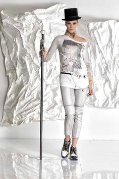 DANIELA DALLAVALLE - #danieladallavalle #collection #fw17 #elisacavaletti #woman #chick #jeans #fashion #details #detailsmatter #art #tennis #hat #necklace #funfur #belt #jewelry
