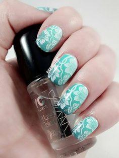 http://www.nailingtons.com/  #nails #nailart #nailingtons #flowernails #greennails #gradientnails #gradientnailart