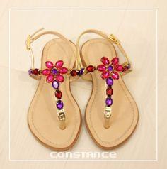 Que tal essa rasteirinha para a sua princesa? http://self.shoes/1CBfMY4 #diaadia #constance