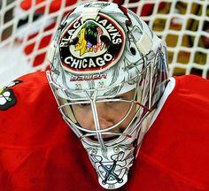 paint job Hockey Goalie, Hockey Teams, Corey Crawford, Goalie Mask, Hockey Stuff, Cool Masks, Masked Man, Chicago Blackhawks, Mask Design