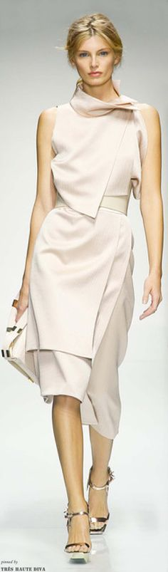 This could fit the Cadillac look because of how the diagonals layer and stay clean and clear. Gianfranco Ferre Spring 2014 RTW