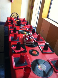 I would change the red and use black and gold, Hip Hop party idea Red Birthday Party, 40th Birthday Parties, 65th Birthday, Birthday Ideas, Fête Hip Hop, 90s Theme, Hip Hop Party, 90s Party, Breakfast Food List