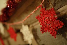 Candy Stripe Crochet Snowflake Garland- Two-tone bunting decoration in red and cream cotton.  Perfect for Christmas! by Ramecrafts on Etsy