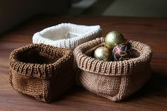 Soft Baskets by Joelle Hoverson  from more last minute knitted gifts  knitting pattern....just a pin for my super talented sister in law to give her an idea