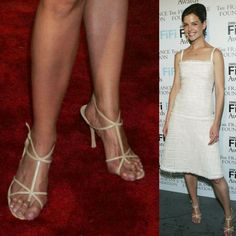 Celebrities are just people, and they suffer from bunions too. We present 40 ultra-famous women, all of whom unfortunately suffer from bunions. Chrissy Teigen Model, Iman Model, Rebecca Gayheart, Bunion Shoes, Define Fashion, Tamera Mowry, Dame Helen, Walking In Heels, Victoria Beckham Style