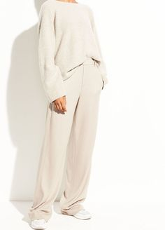 Sites-vince-Site - Vince in 2020 Tomboy Fashion, Fashion Pants, Fashion Outfits, Womens Fashion, Bomber Jacket Outfit, Cosy Outfit, 2020 Fashion Trends, Fashion 2020, Minimal Outfit