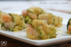#Secondo: involtini di zucchine e #gamberetti Finger Food Appetizers, Appetizer Recipes, I Love Food, Good Food, Vegetarian Recipes, Healthy Recipes, Fish And Meat, Fish Dinner, Food Humor