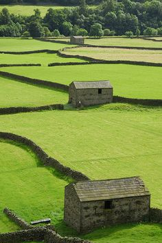 Stone Barns in Swaledale, Yorkshire, England. Swaledale was the inspiration for Skimmerdale, home of a new series of books set in the Yorkshire Dales by Sharon Booth. Yorkshire England, Yorkshire Dales, North Yorkshire, Cornwall England, Places Around The World, The Places Youll Go, Places To See, Around The Worlds, Stone Barns