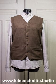 "Feine Schnitte Berlin ""Worker's Vest"" #forties #fifties #vintage #retro #VintageFashion #RetroFashion #heritage #wool #1940 #1940ies #1950 #195ies #swing #rocknroll"
